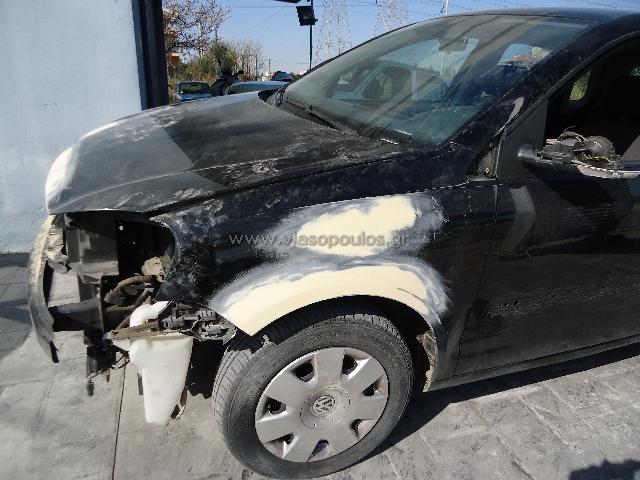 Φανοποιία Γέρακας - επισκευή τρακαρισμένου VW Polo - στάδιο προετοιμασίας εργασίες επισκευής τρακαρισμένου